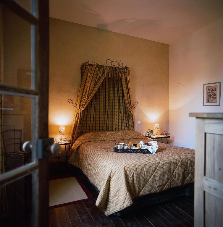 Hotel Restaurant Les Orangeries Lussac
