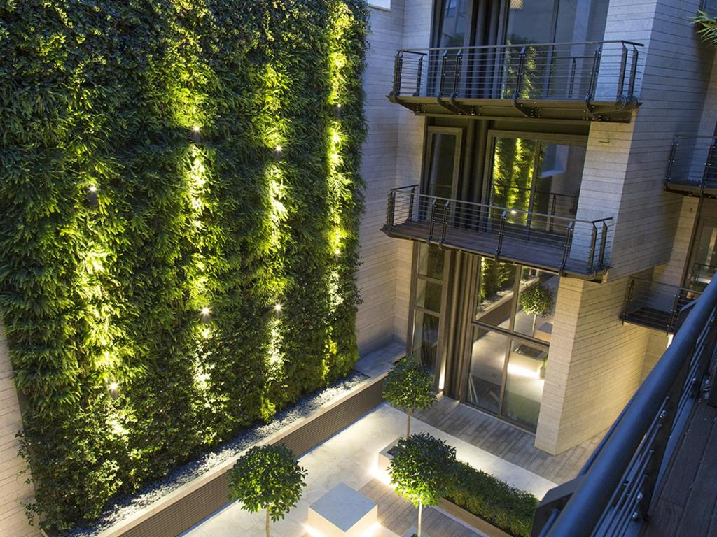 Green 152 luxury apartments rome colosseum monti rome for Green italy