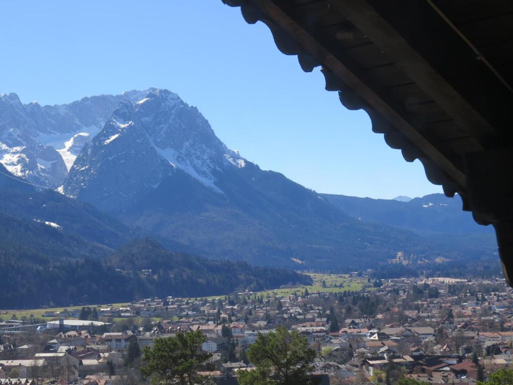 Landhotel und berggasthof panorama garmisch for Designhotel garmisch