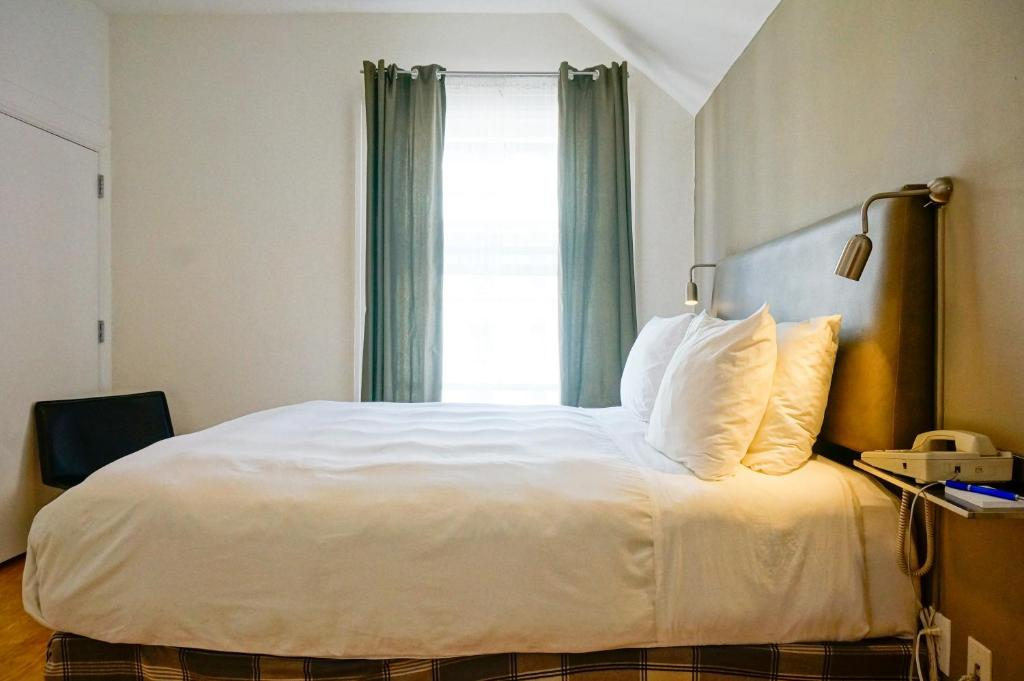herbert hotel san francisco book your hotel with. Black Bedroom Furniture Sets. Home Design Ideas
