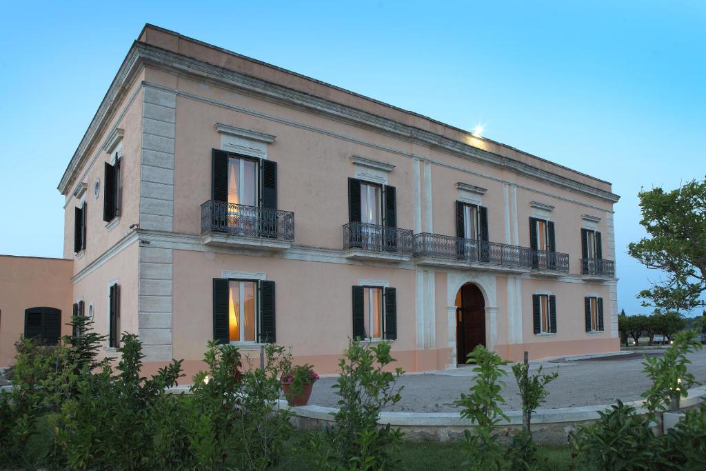 Casa de campo Tenuta Giardini Nuovi (Italia Novoli ...