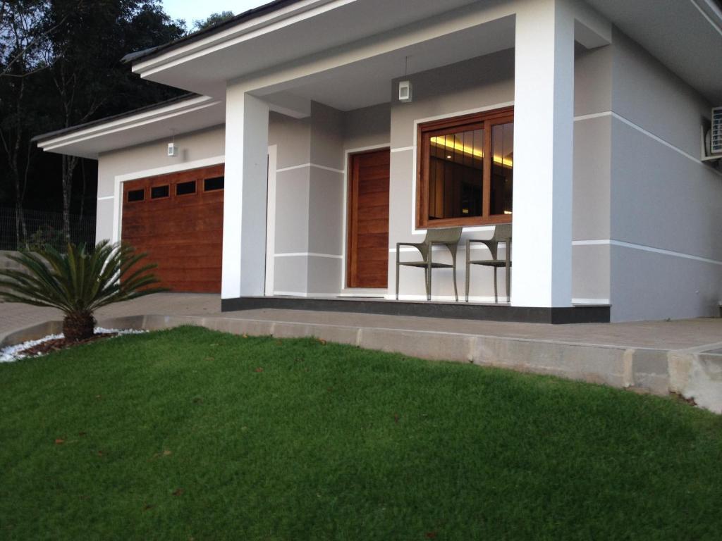 Casa de temporada casa contempor nea gramado brasil for Casa contemporanea