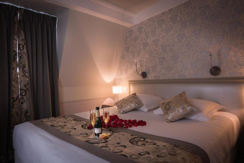 Hotel monceau wagram paris viamichelin informationen for Chambre romantique paris