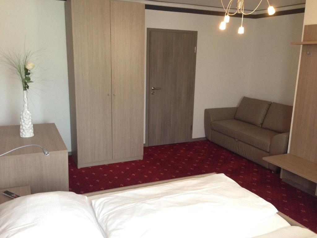 Booking Com Hotel Falter