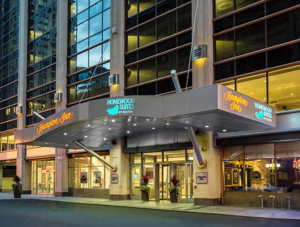 Hampton Inn Chicago Magnificent Mile Hotel