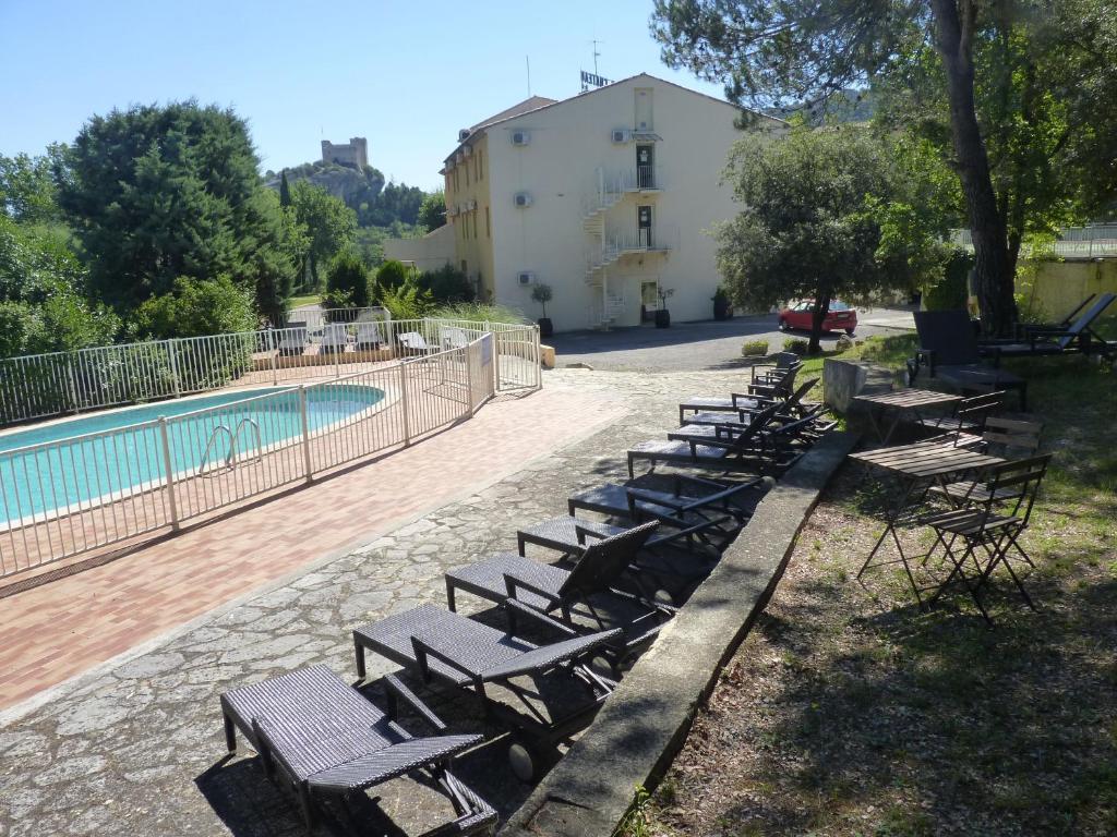 Le logis du chateau r servation gratuite sur viamichelin - Hotel vaison la romaine piscine ...