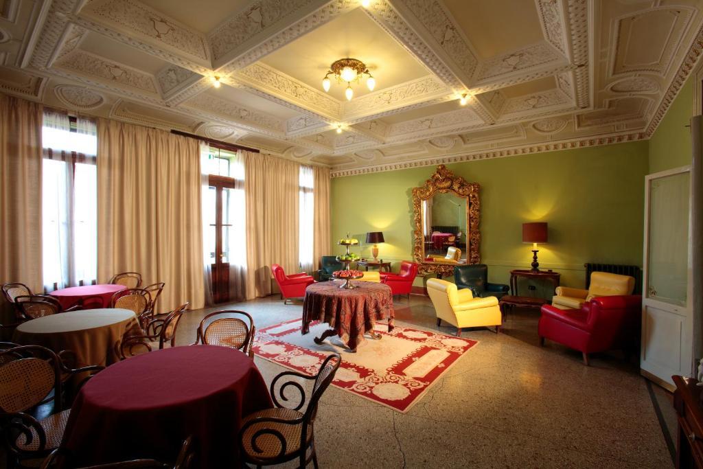 Hotel croce bianca asiago reserva tu hotel con viamichelin for Hotel a asiago