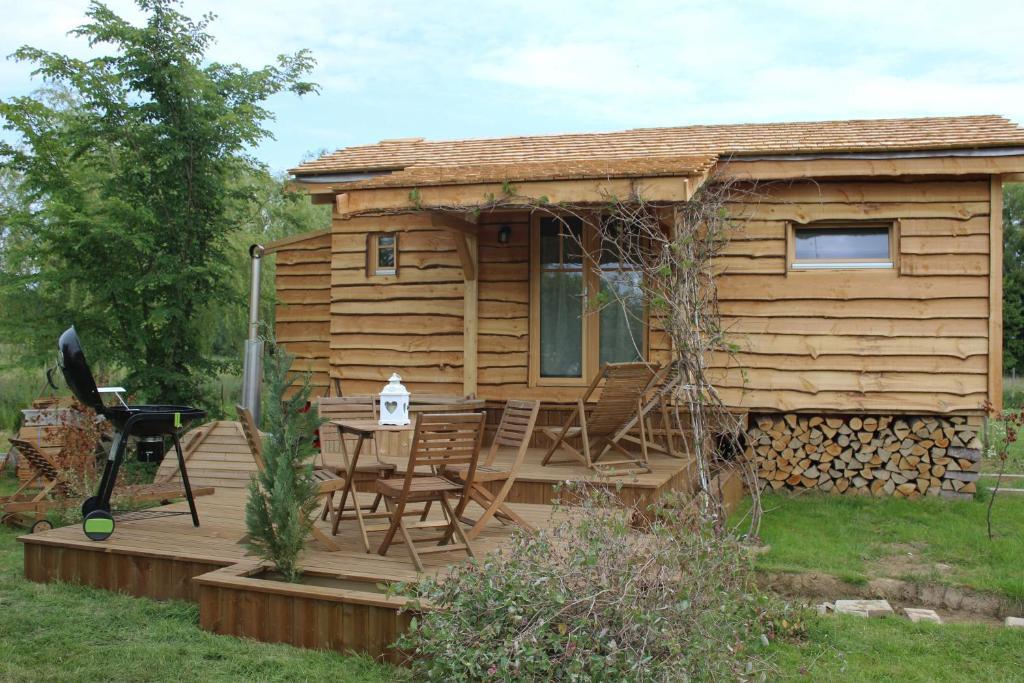 les roulottes de bois locations de vacances buhl lorraine. Black Bedroom Furniture Sets. Home Design Ideas