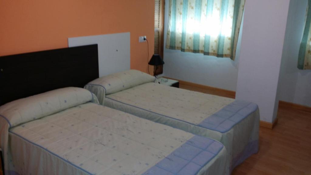Hotel mes n el n mero uno antequera informationen und for Numero hotel