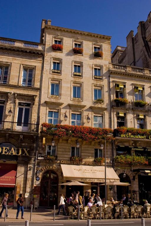 Hotel des 4 soeurs bordeaux book your hotel with for Hotels bordeaux