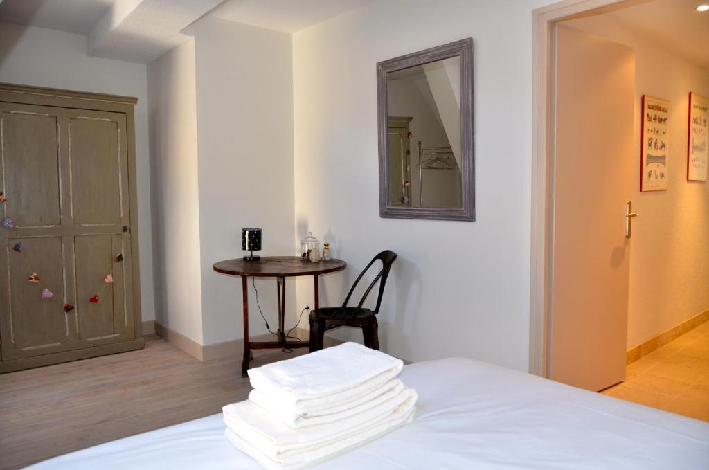appartements l 39 appart locations de vacances beaune. Black Bedroom Furniture Sets. Home Design Ideas