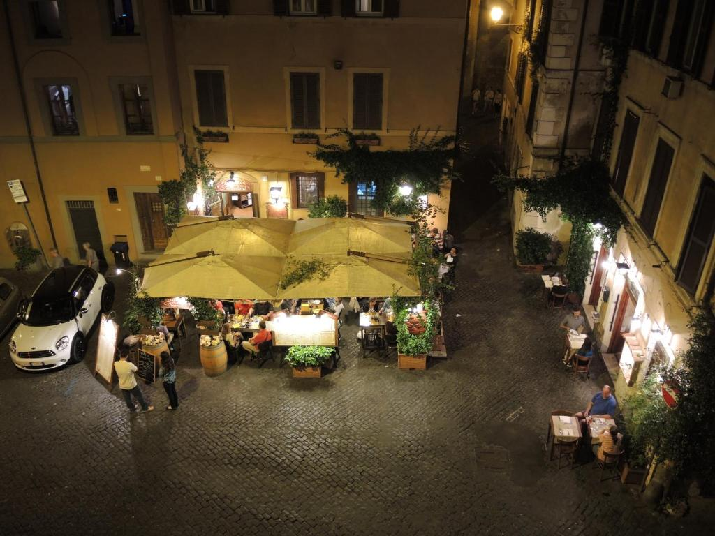 Trastevere luxury guest house rome book your hotel for Hotel trastevere rome