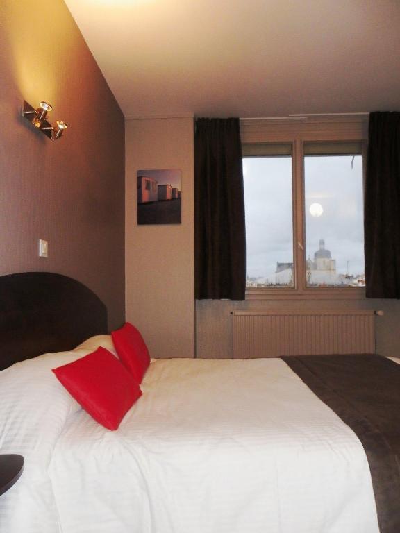 h tel du port les sables d 39 olonne prenotazione on line viamichelin. Black Bedroom Furniture Sets. Home Design Ideas