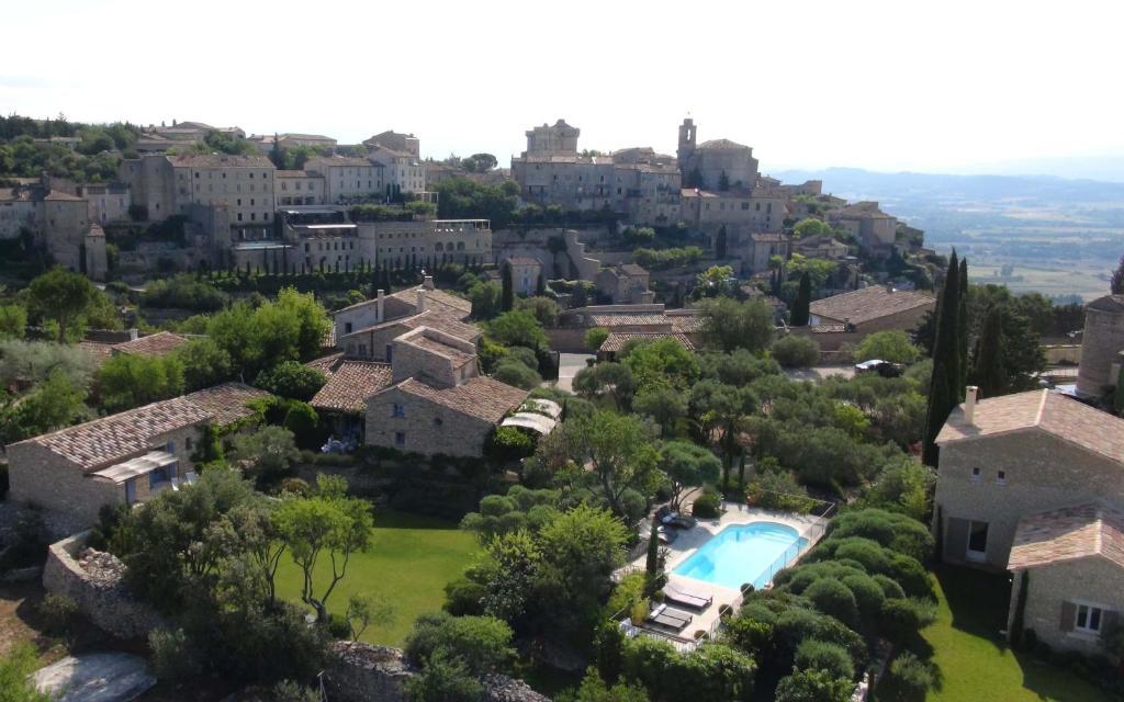 Mas de la beaume gordes book your hotel with viamichelin for Hotels gordes