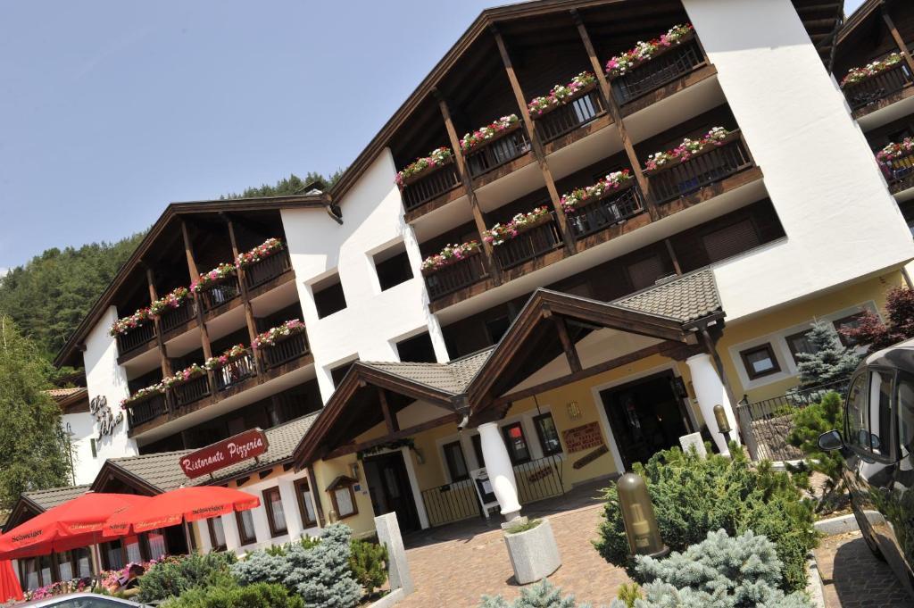 Aparthotel des alpes cavalese reserva tu hotel con - Hotel cavalese con piscina ...