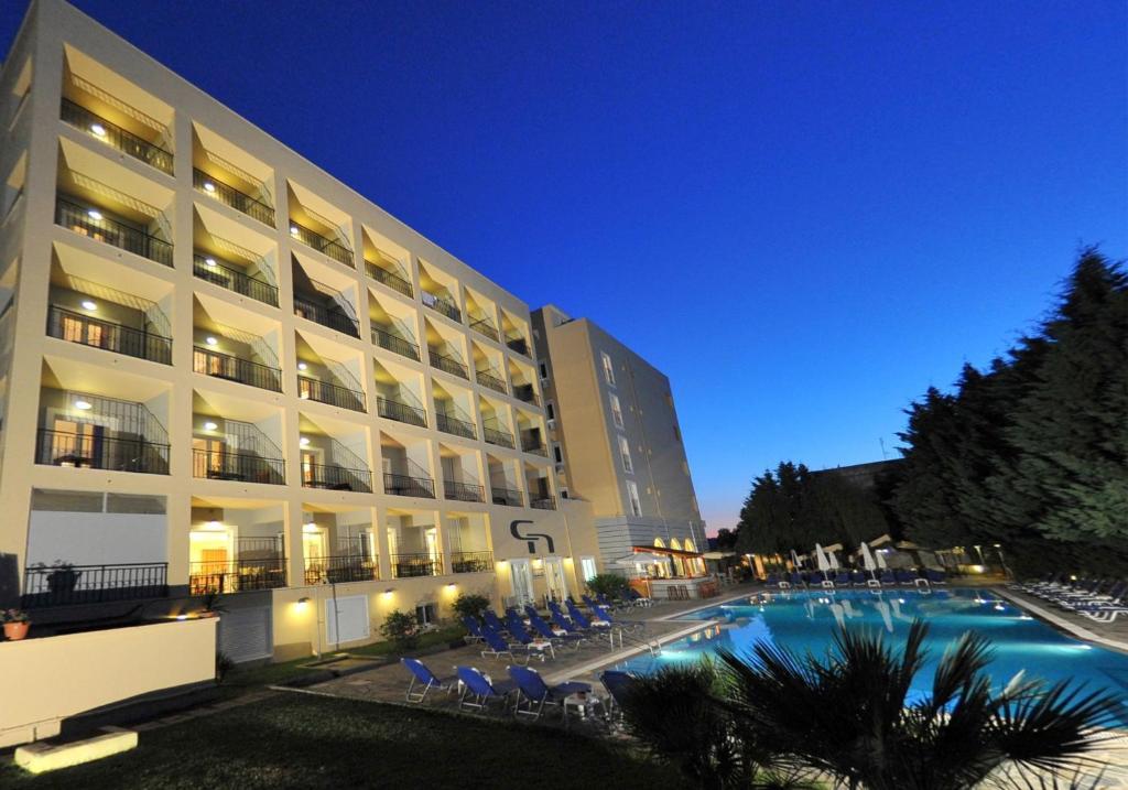 Cnic hellinis hotel r servation gratuite sur viamichelin for Reserver hotel payer sur place