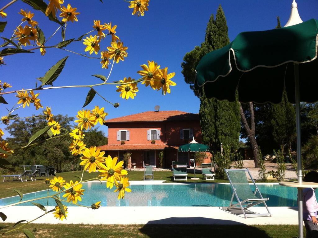 A piscina localizada em Villa Del Sole ou nos arredores