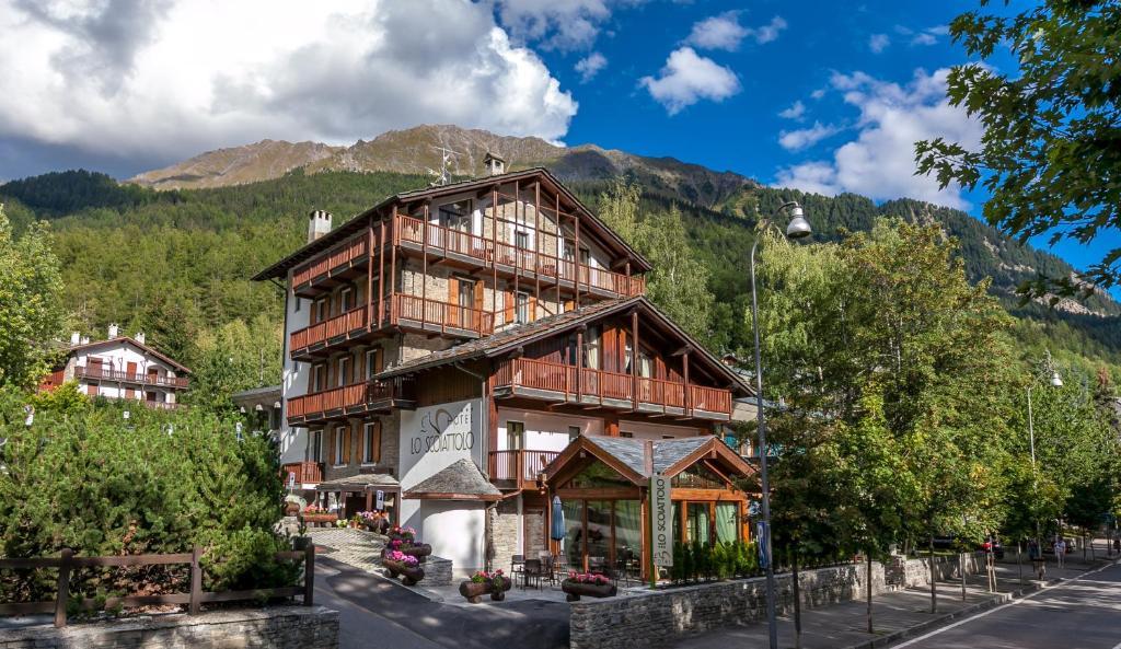 Hotel Lo Scoiattolo Courmayeur Booking