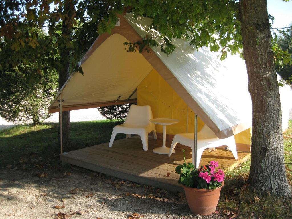 camping porte des vosges camping bulgn ville dans les vosges 88. Black Bedroom Furniture Sets. Home Design Ideas