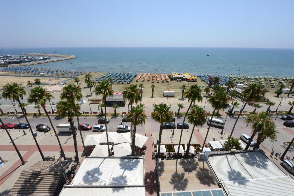 Apartment Les Palmiers Luxury Suites, Larnaca, Cyprus - Booking.com
