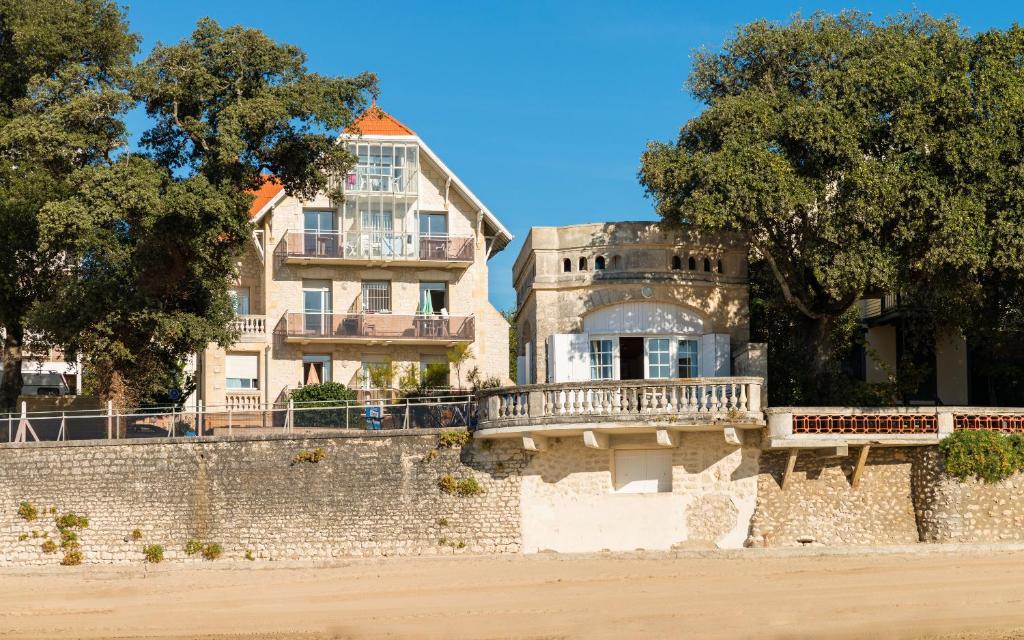 Appart 39 h tel lagrange vacances le phal ne france saint palais sur mer - Saint palais sur mer office du tourisme ...