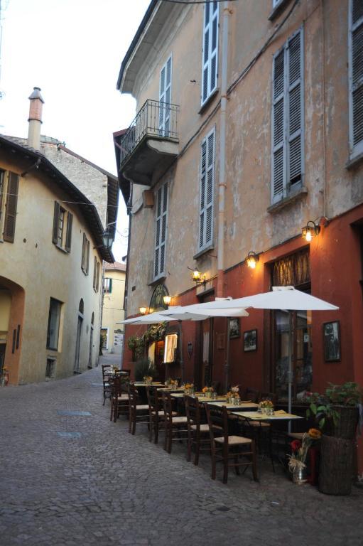 Apartments casa botta luino lago maggiore holiday for Lago maggiore casa