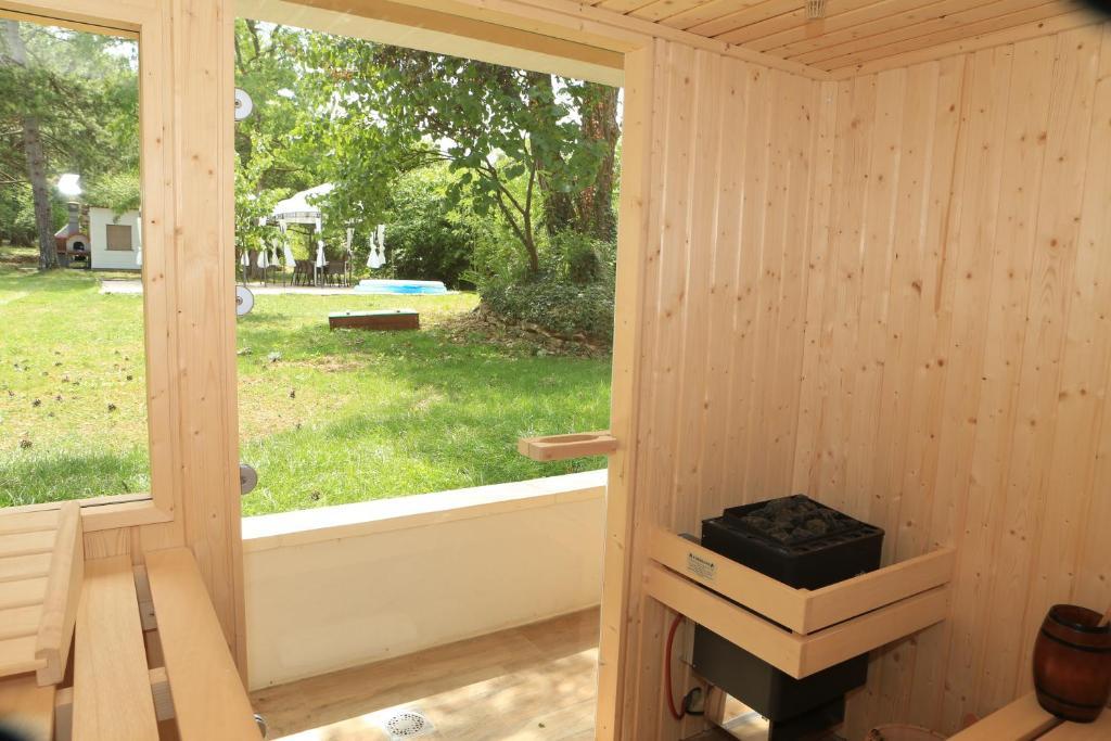 maison de vacances le cepe de beaune maison de vacances beaune. Black Bedroom Furniture Sets. Home Design Ideas