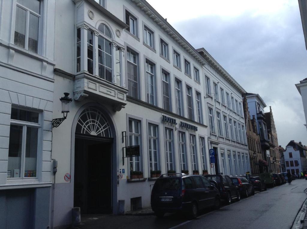 Hotel patritius bruges online booking viamichelin for B b la maison zenasni bruges