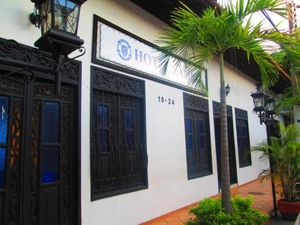 Hotel zamba girardot prenotazione on line viamichelin for Piani casa hacienda