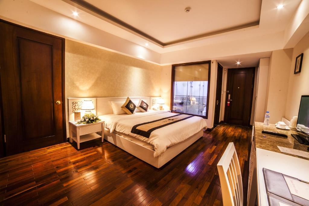 Phòng Deluxe Giường Đôi Nhìn ra Thành phố