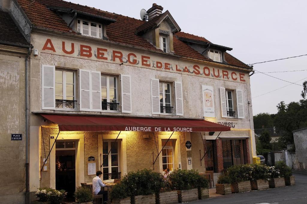 Relais du silence auberge de la source jouarre book for Auberge le jardin de la source