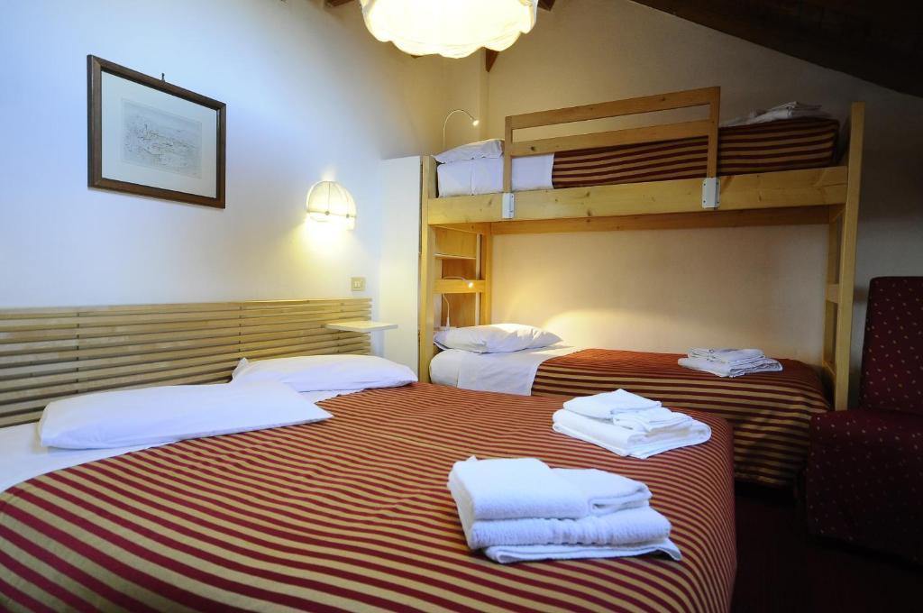 Hotel al bosco asiago book your hotel with viamichelin for Family hotel asiago