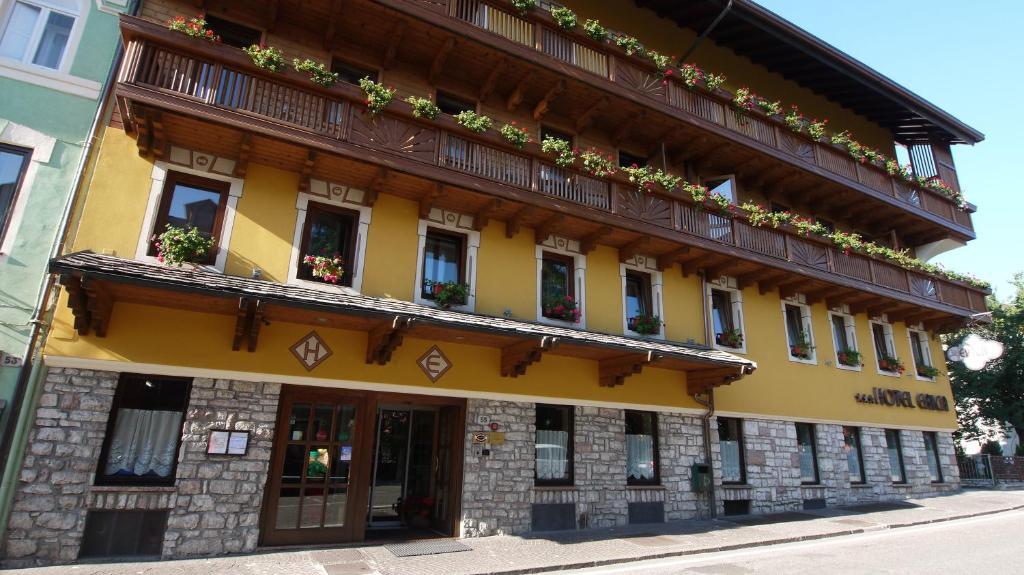 Relax hotel erica asiago reserva tu hotel con viamichelin for Hotel asiago con piscina