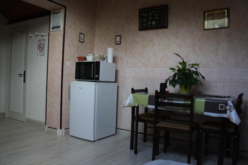 Chambre d 39 h tes les ch nes limoges book your hotel for Chambre d hotes limoges