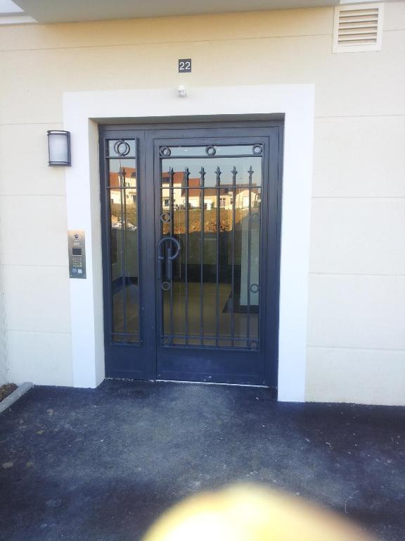 Magic apartments quincy voisins informationen und for Appart hotel quincy