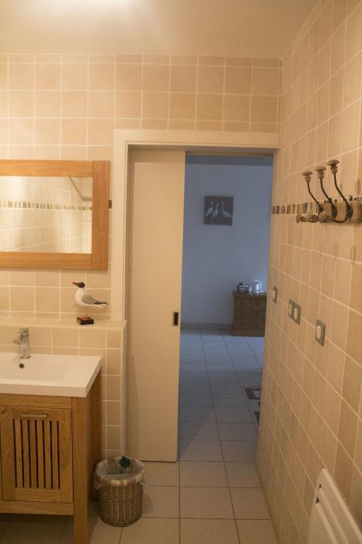 chambre d 39 h tes la ferme du vincin chambres d 39 h tes vannes. Black Bedroom Furniture Sets. Home Design Ideas