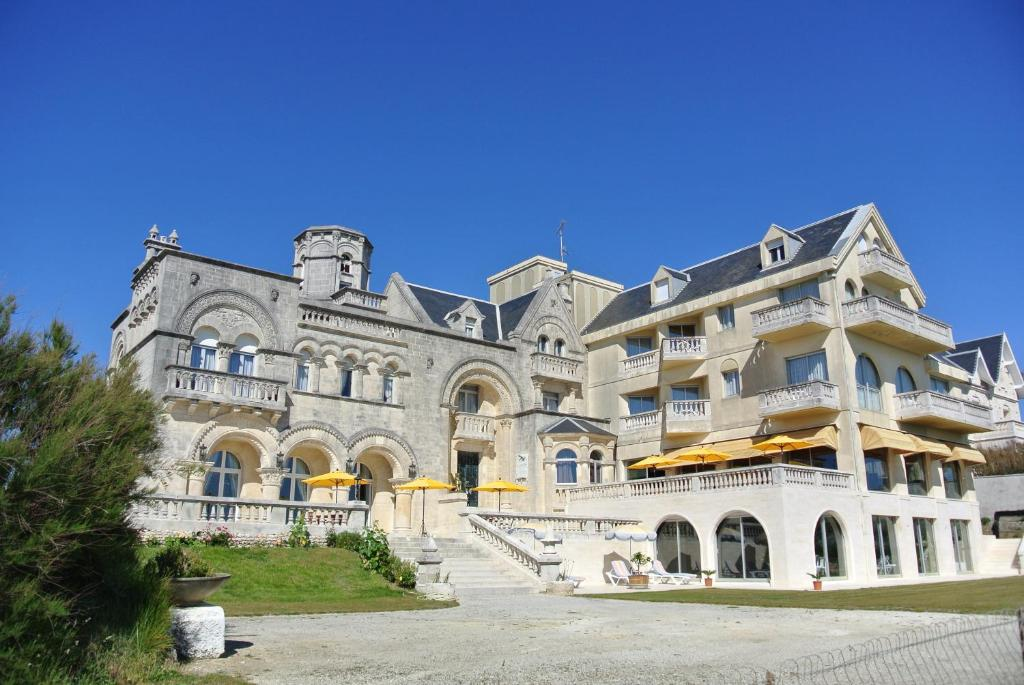 H tel primavera royan book your hotel with viamichelin - Saint palais sur mer office du tourisme ...