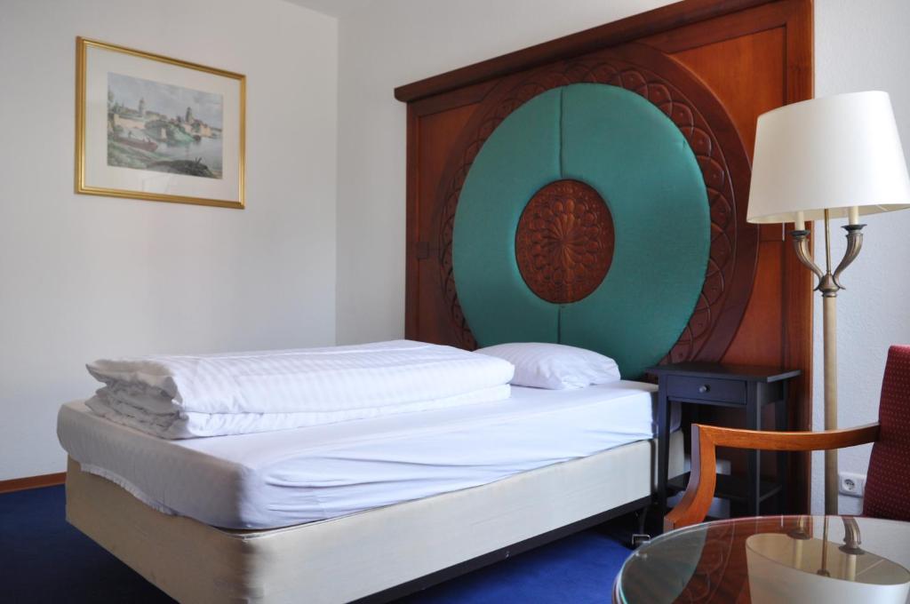 hotel restaurant heute r servation gratuite sur viamichelin. Black Bedroom Furniture Sets. Home Design Ideas
