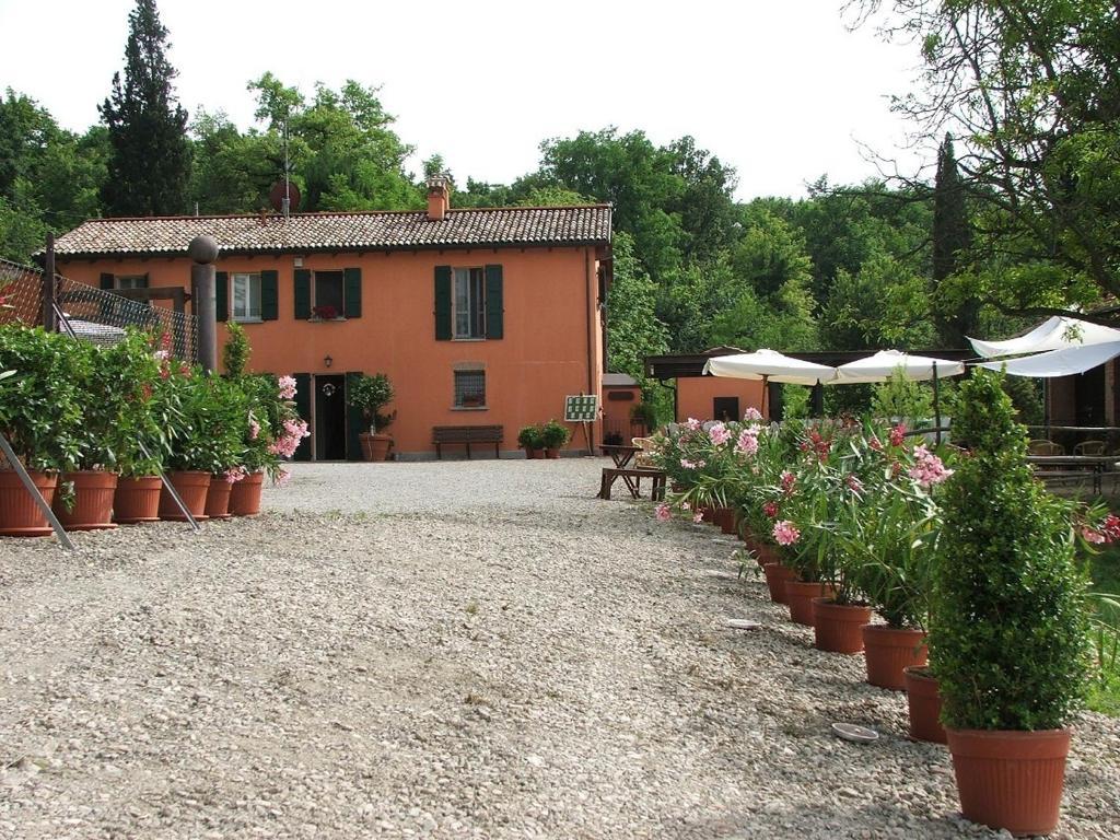 Locanda belfiore casalecchio di reno book your hotel for Hotel casalecchio bologna