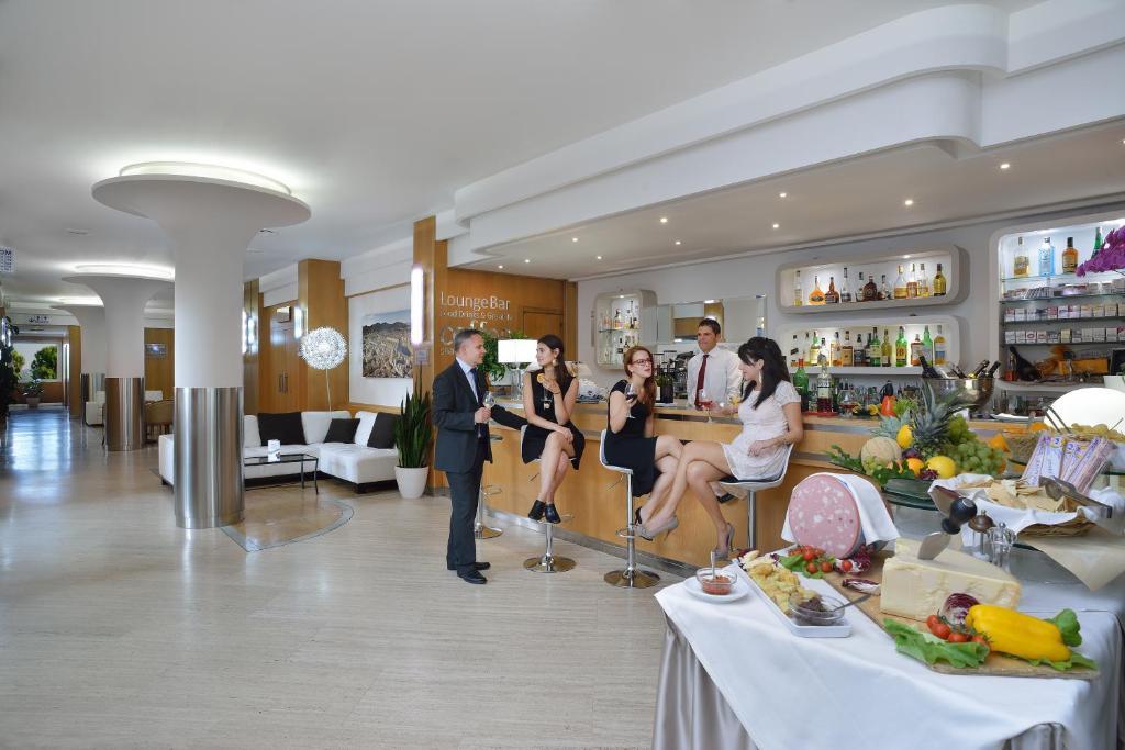 Hotel bologna airport calderara di reno prenotazione for Hotel bologna borgo panigale