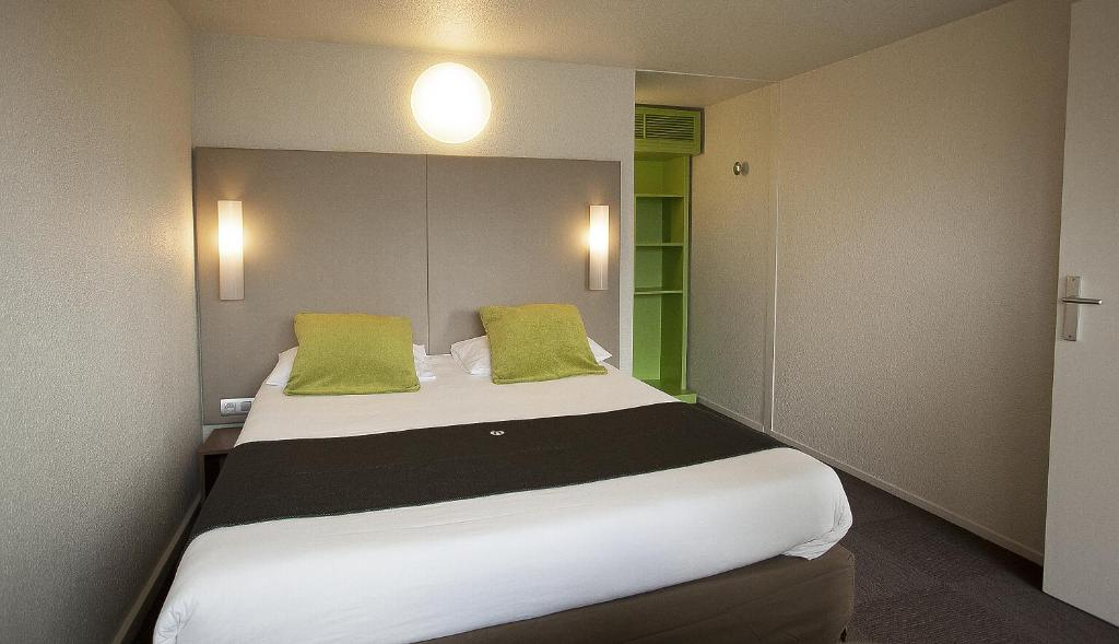 Caissargues France  city pictures gallery : HOTEL CAMPANILE NÎMES SUD CAISSARGUES : Hotels Caissargues