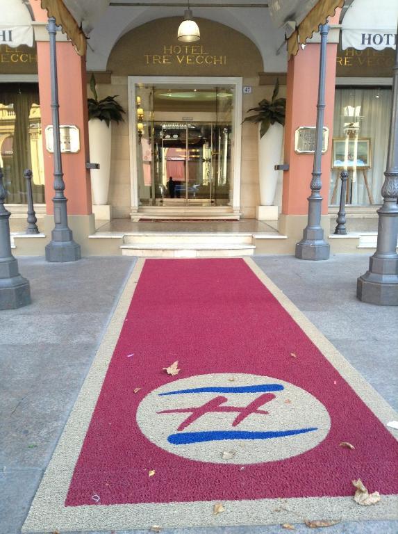 Zanhotel tre vecchi bologna prenotazione on line for Tre stelle arreda bologna