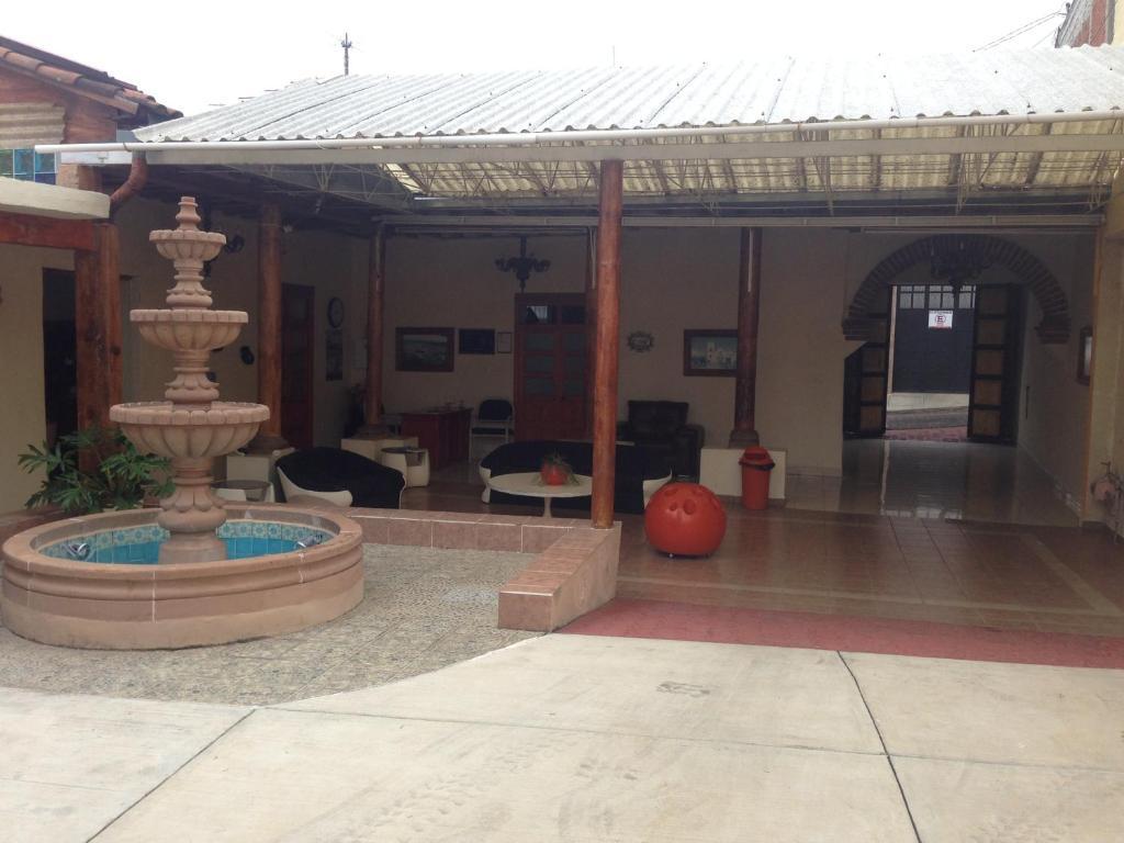 Hotel Tzintzuni Tac Mbaro De Codallos Book Your Hotel With  # Muebles Huiramba
