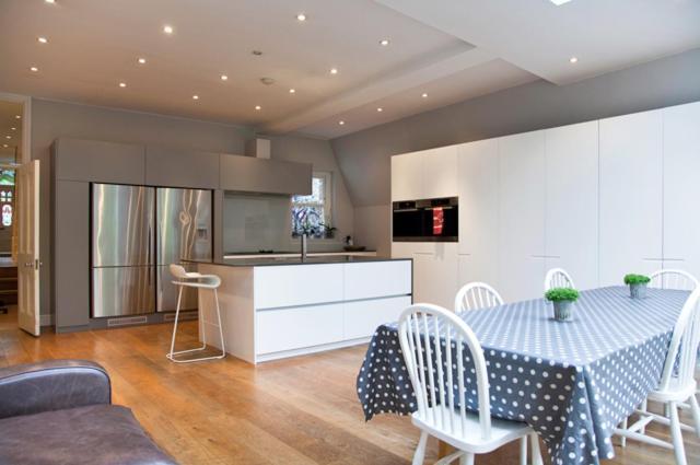 London Escorts Near Luxury House Finlay Street - Fulham