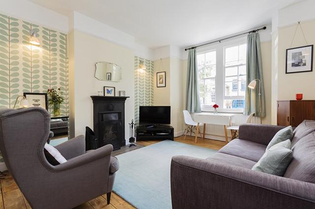 London Escorts Near Apartment Haberdasher Street - Old Street