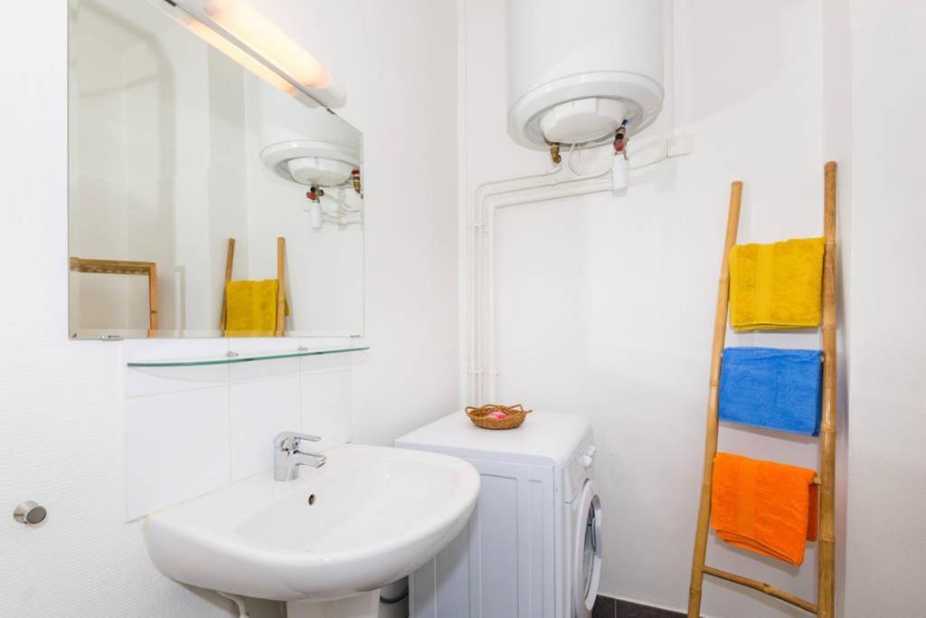 appartement monplaisir locations de vacances lyon. Black Bedroom Furniture Sets. Home Design Ideas