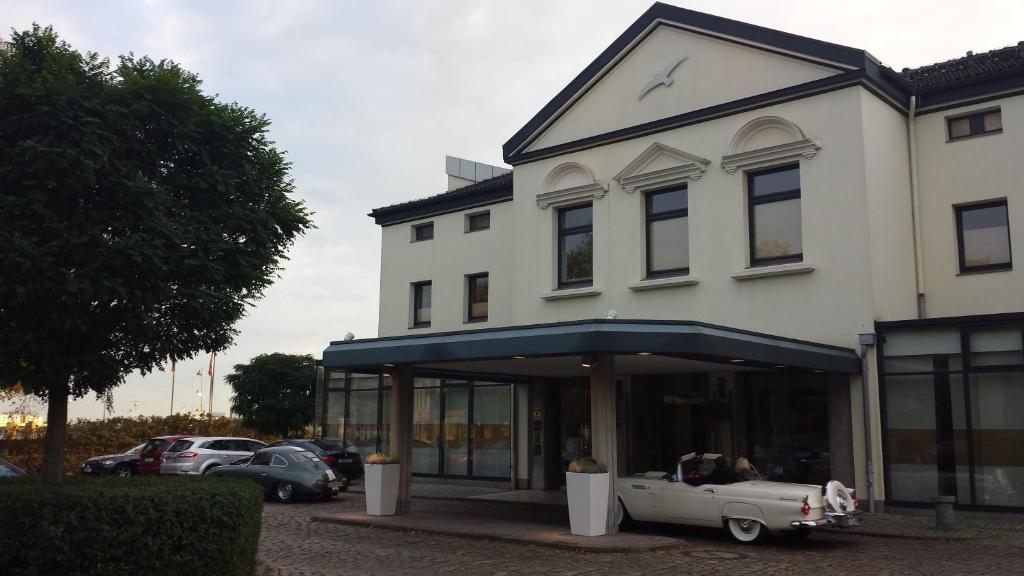 Strandlust vegesack delmenhorst reserve o seu hotel for Hotel delmenhorst