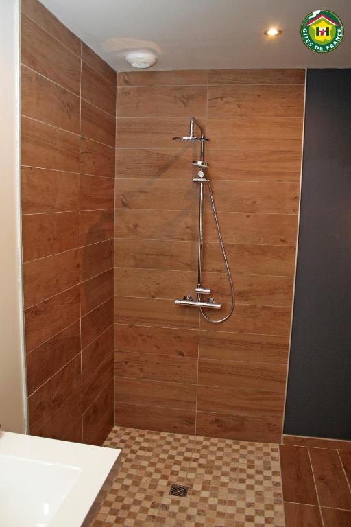 le clos du miroir boulogne sur mer book your hotel with viamichelin. Black Bedroom Furniture Sets. Home Design Ideas