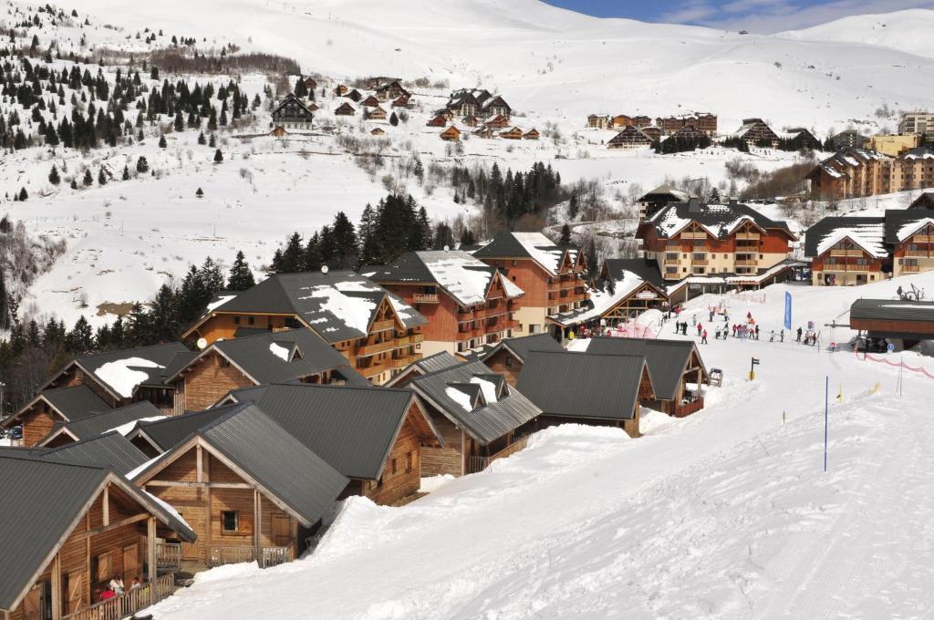 Goelia le village gaulois locations de vacances saint francois longchamp - St francois longchamp office de tourisme ...