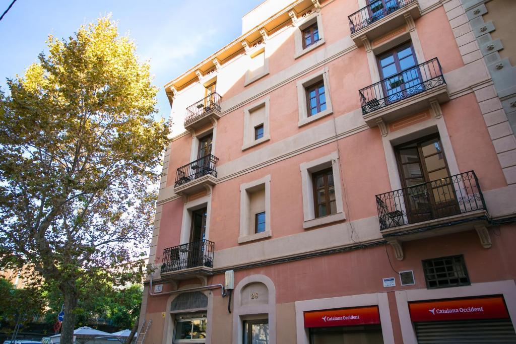 Apartamentos barcelona upartments aliga casas de - Apartamentos vacaciones barcelona ...